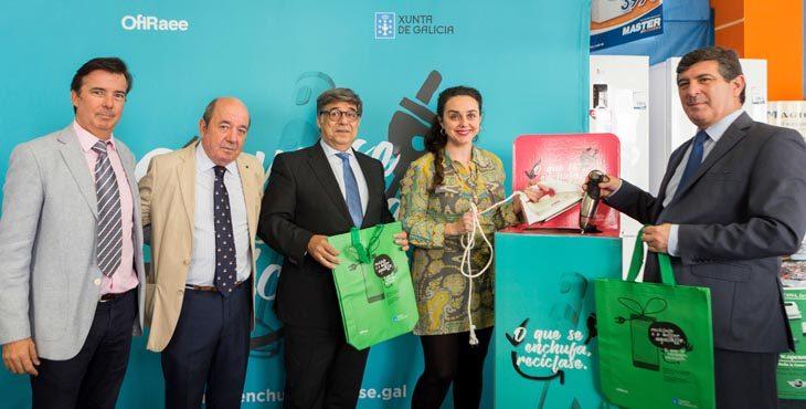 """La campaña """"Lo que se enchufa, se recicla"""" viajará por 138 municipios gallegos"""
